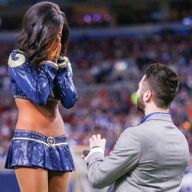 propuesta de matrimonio a una porrista