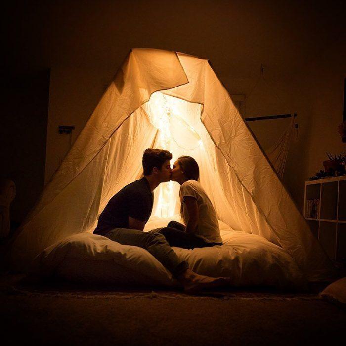 propuesta de matrimonio en camping en casa