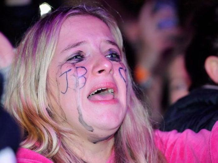 fan de justin bieber llorando en concierto