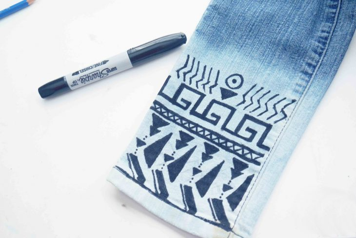decoracion con sharpie para pantalones de mezclilla