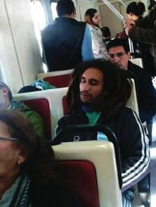persona parecida a Bob Marley