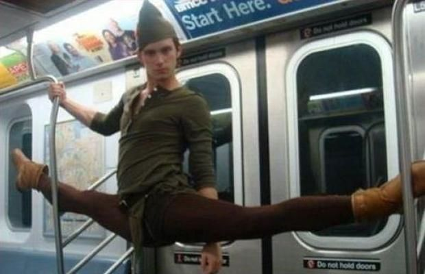 persona disfrazada de Peter Pan