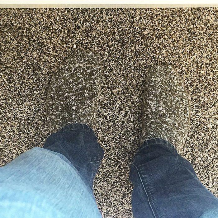 calcetines con estampado igual al de alfombra