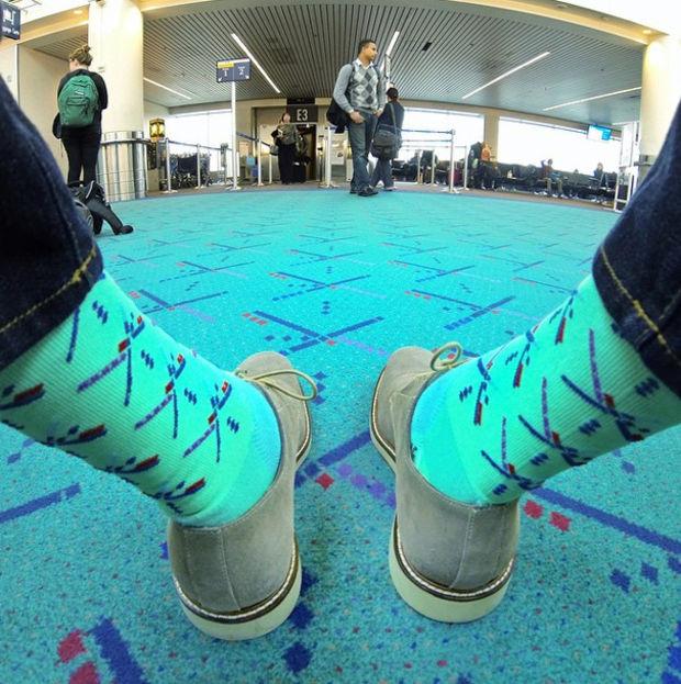 calcetines con diseño similar al de alfombra