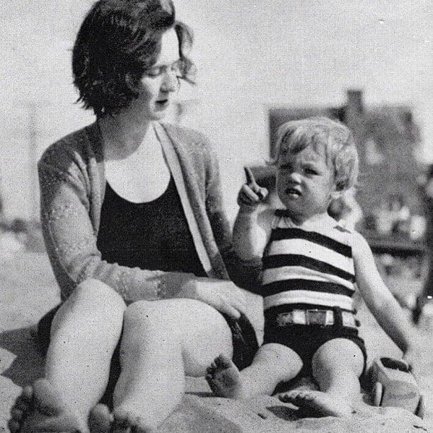 Gladys Baker y Marilyn Monroe bebé