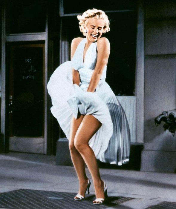 famosa escena en el metro Marilyn Monroe de vestido blanco