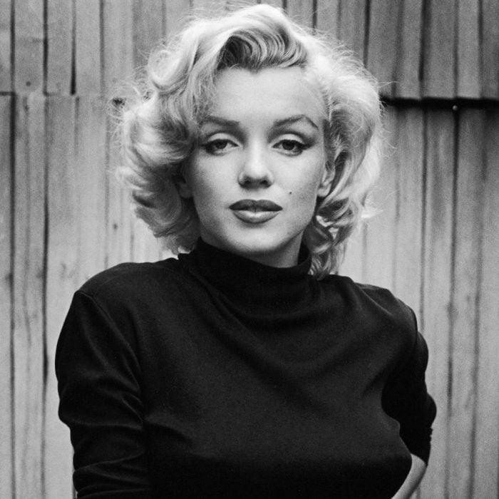 Marilyn Monroe de negro