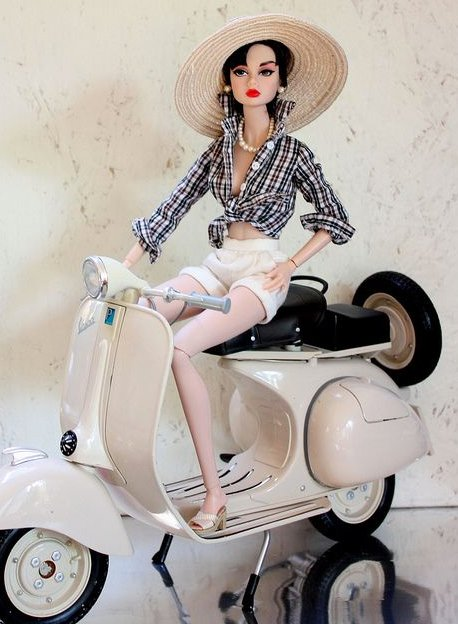 Motoneta miniatura para barbie