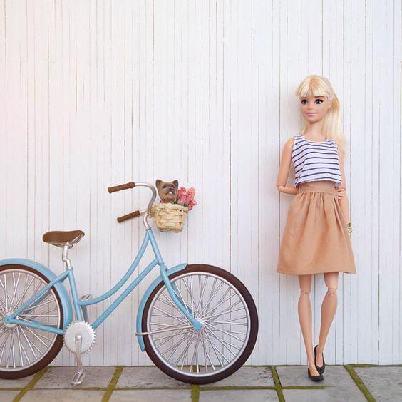 Bicicleta en miniatura para barbie