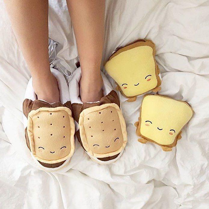 Pantuflas en forma de panes tostados