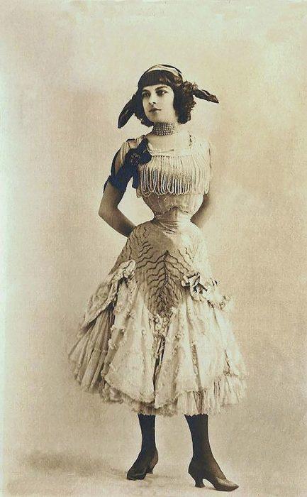 fotografía antigua de mujer gitana