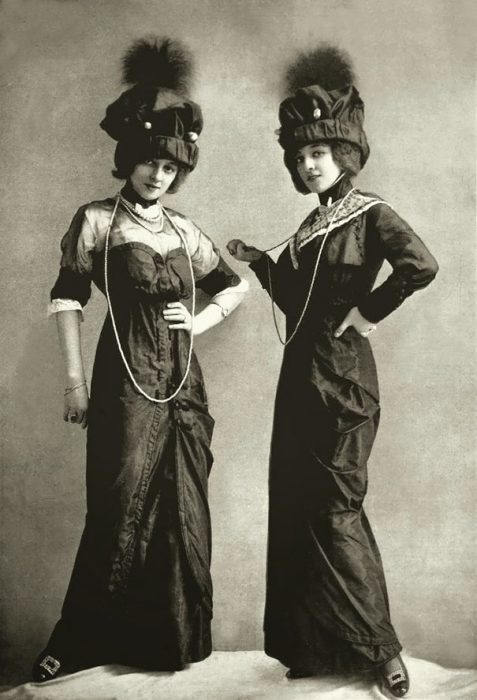 fotografía antigua de mujeres desconocidas