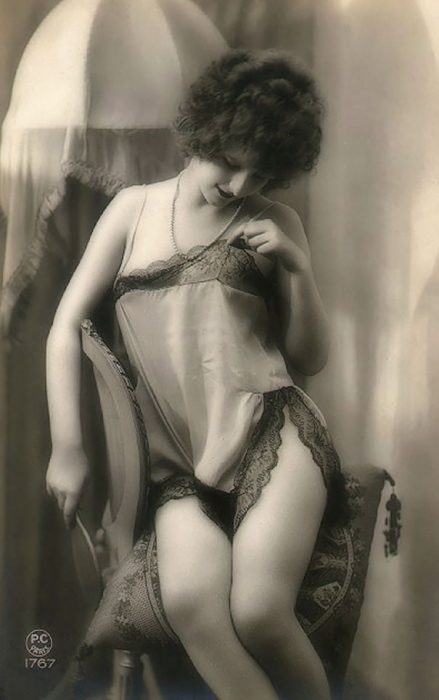 fotografía antigua de mujer desconocida