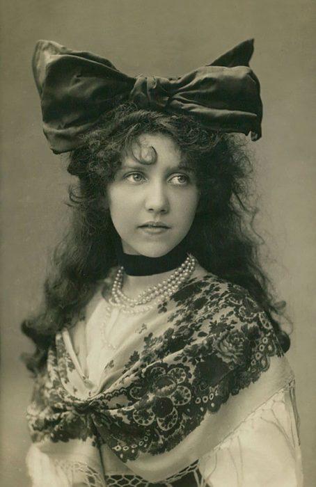 fotografía antigua de mujer