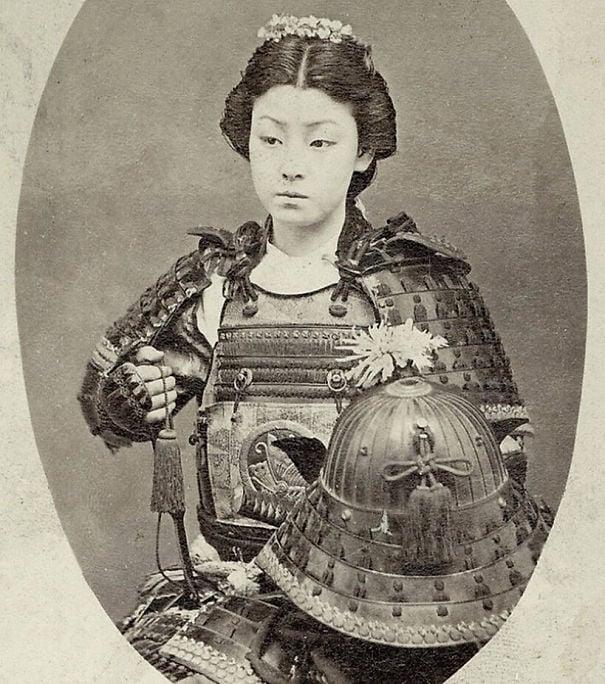 fotografía antigua de mujer japonesa