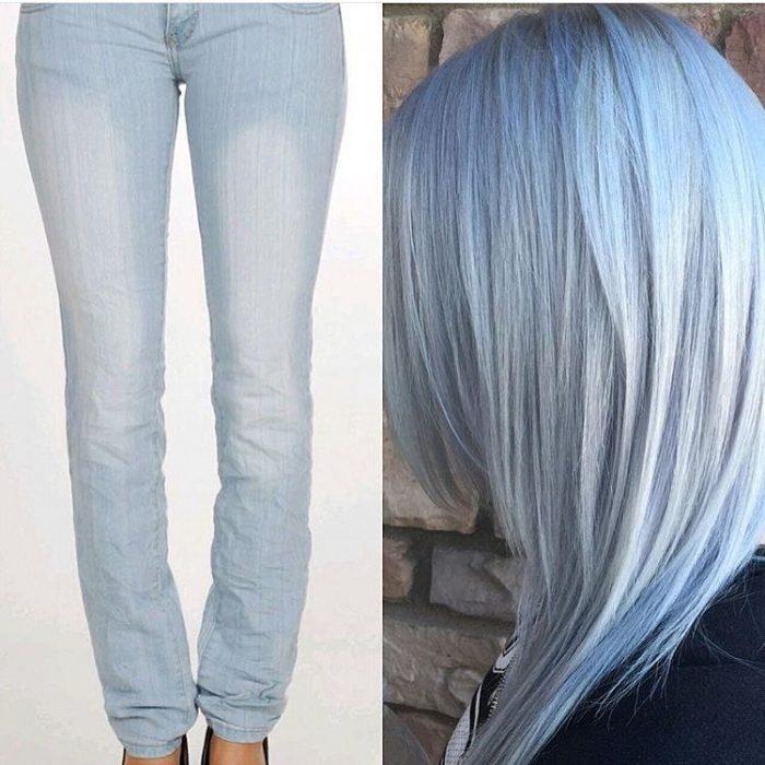 Comparación de cabello azul con un pantalón de mezclilla