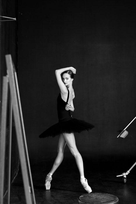 Bailarina de ballet posando para una fotografía
