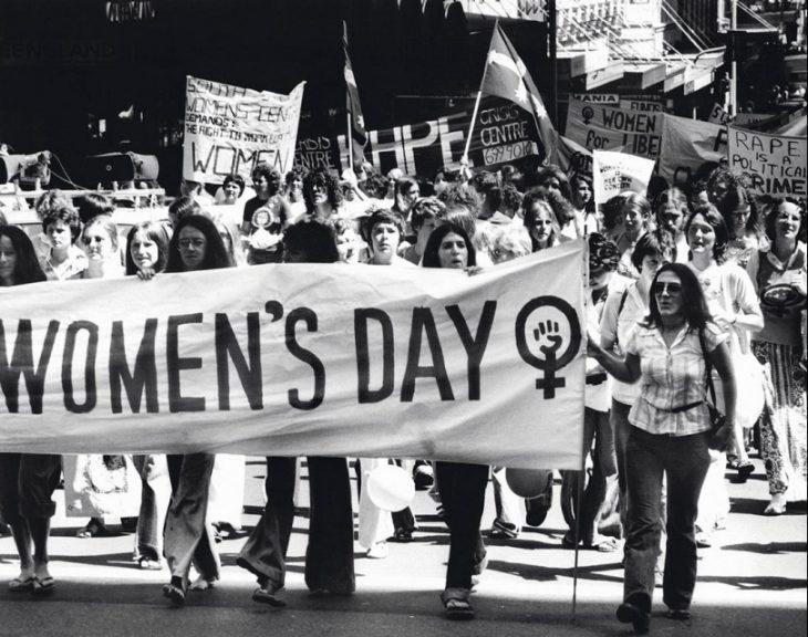 Mujeres protestando el día de la mujer