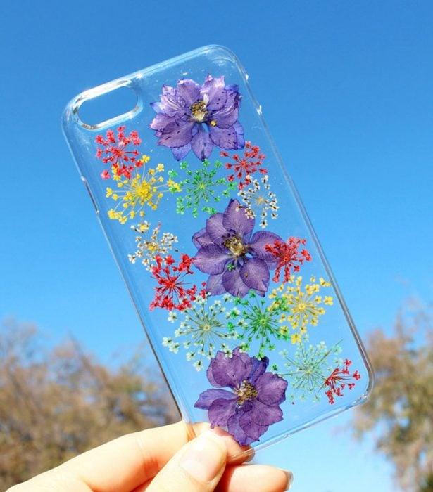 Funda para el celular de flores