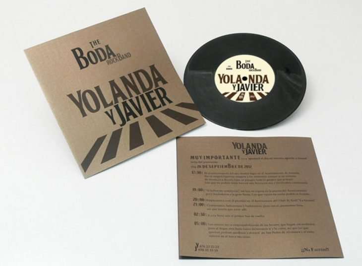 Invitación de boda en forma de disco de the beatles