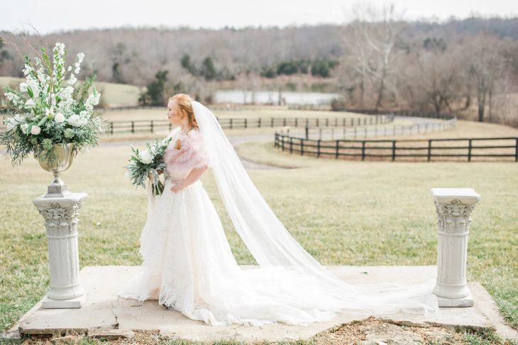 Modelo con síndrome de Down Madeline Stuart vestida de novia