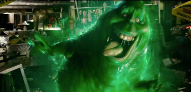 Escena del nuevo trailer de la película los caza fantasmas. Slimer