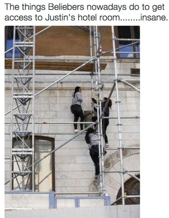 fans de justin bieber se suben a su cuarto de hotel