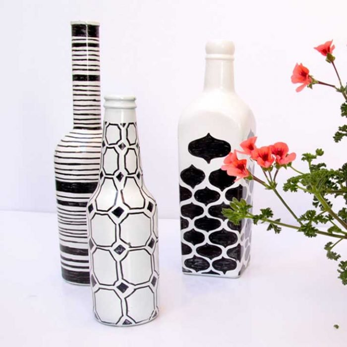 decorar botellas para decoracion con sharpie