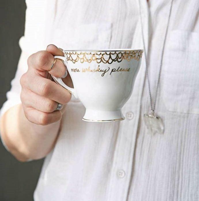 una taza personalizada femenina whisky regalo mejor amiga