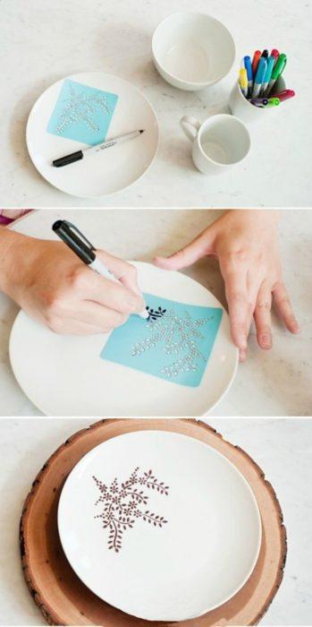 idea para decorar platos de ceramica con sharpie