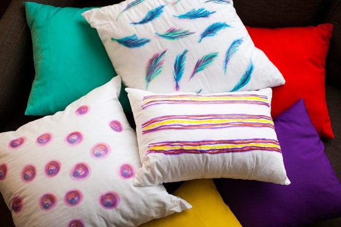 decoracion de almohadas con sharpie