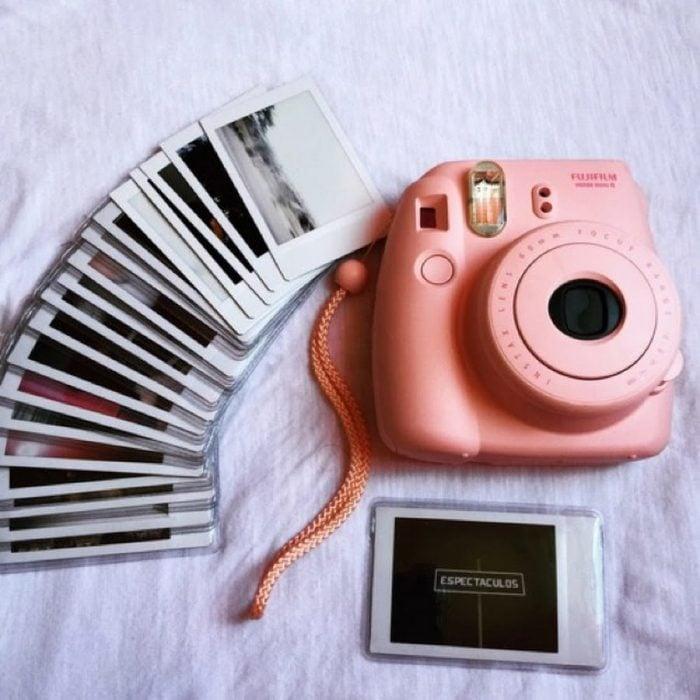 camara polaroid rosa para regalar a tu mejor amiga