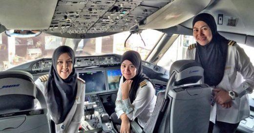 Aerolínea árabe vuela con su primera tripulación femenina