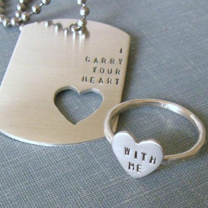 collar y anillo con frase de amor para regalo