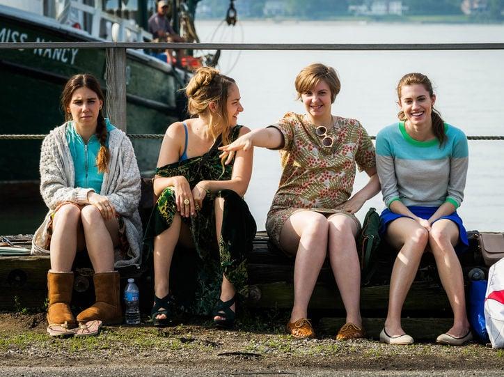 grupo de amigas sentadas