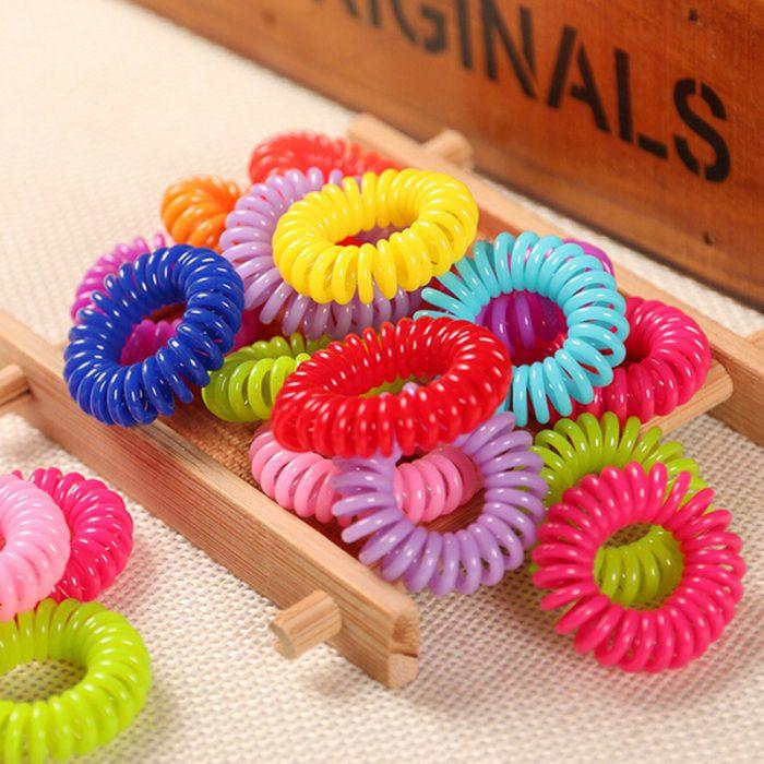 pulceras de colores en espiral