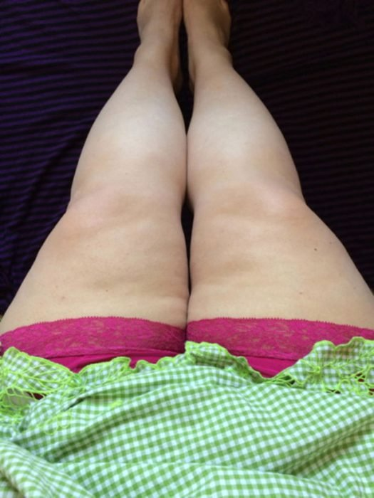 mujer muslos gruesos con short
