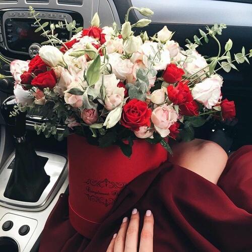 rosas en caja circular