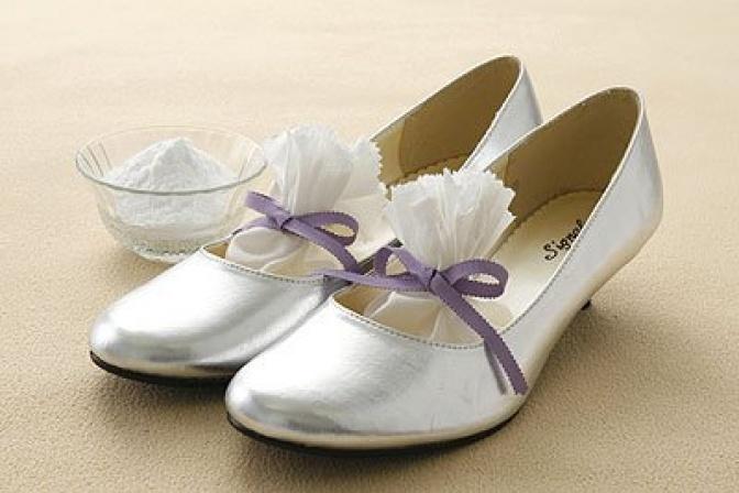 bolsitas con bicarbonato en zapatos
