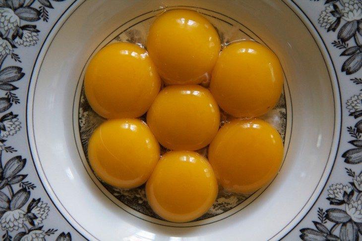 yemas de huevo