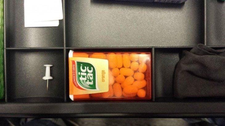 pastillero que cabe en un compartimento del cajón