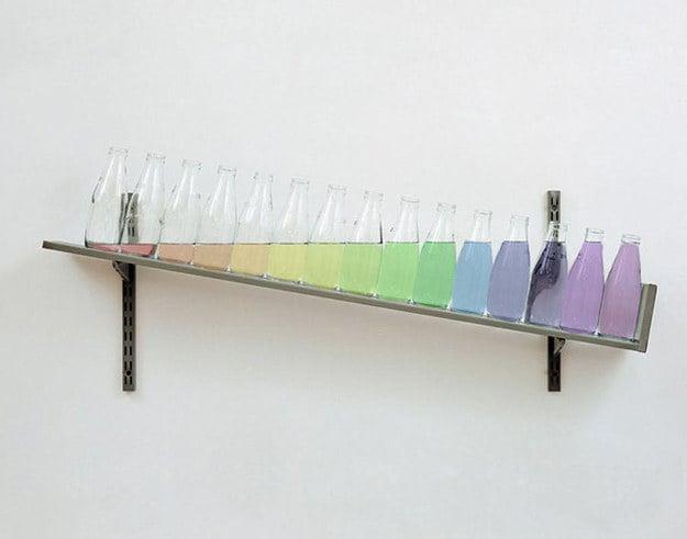 frascos con agua de colores