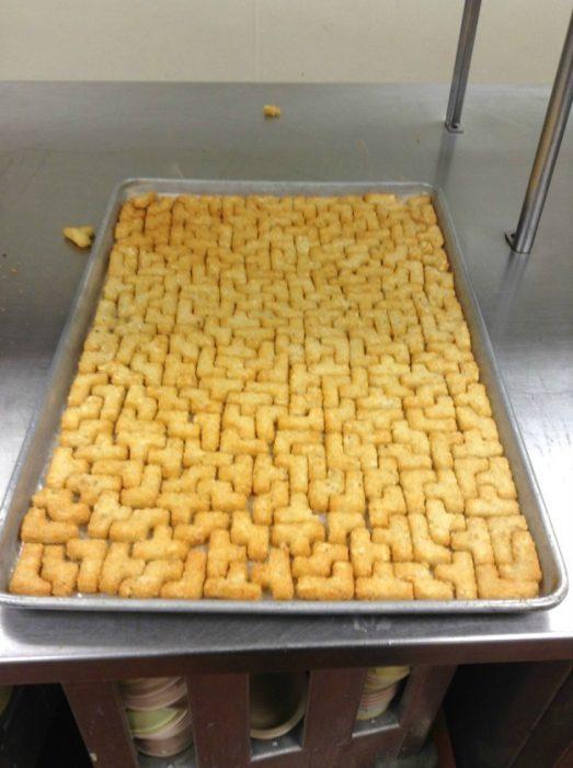 pan cortado en forma de tetris