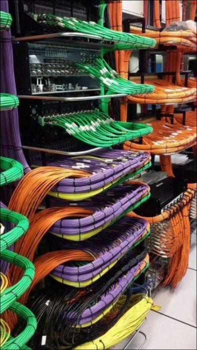 cables ordenados por color