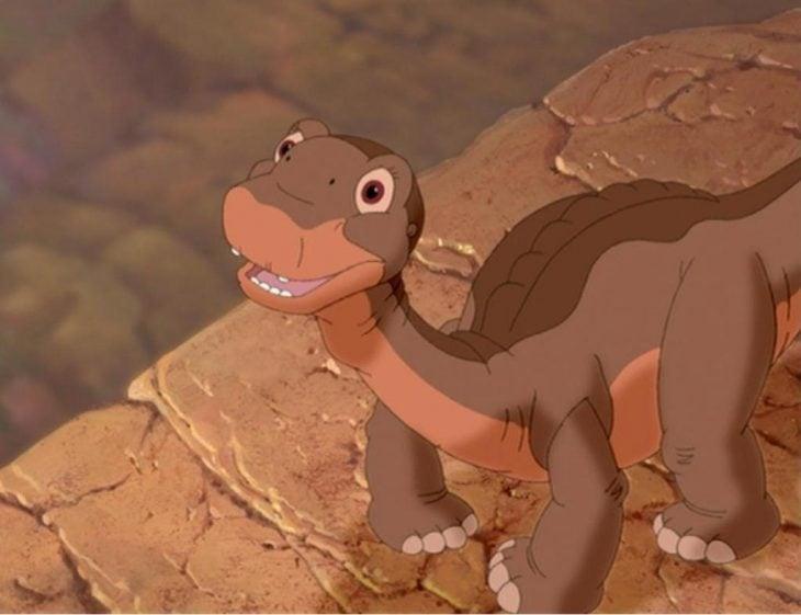 dibujos animados pequeño dinosaurio