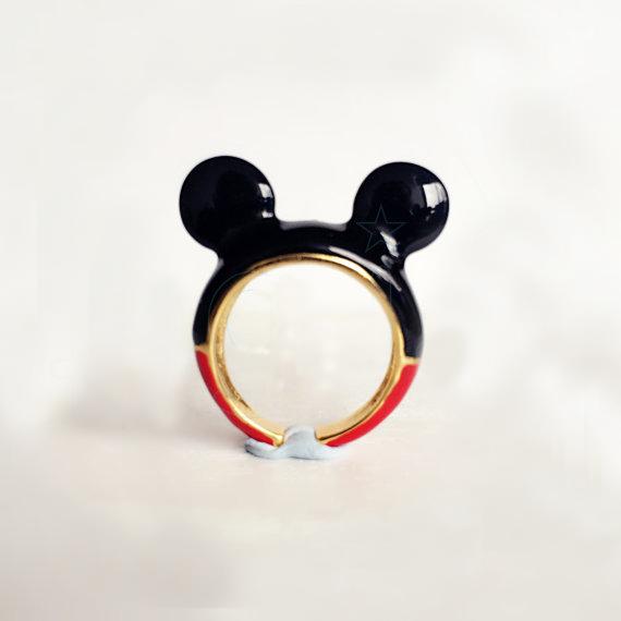 Anillo con la forma de Mickey
