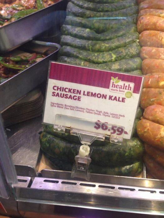 Salchicha hecha de kale con limón