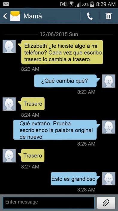 Hija le hace bromas pesadas a su madre por mensajes de texto meme brad pitt