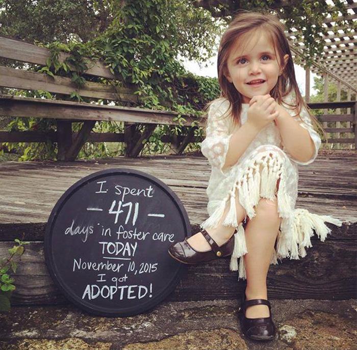 Niña que pasó 471 días en un orfanato fue adoptada
