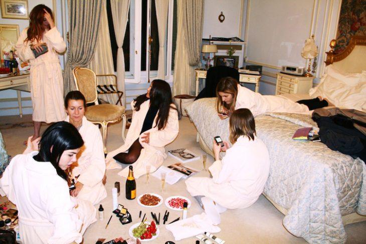 chicas en una pijamada